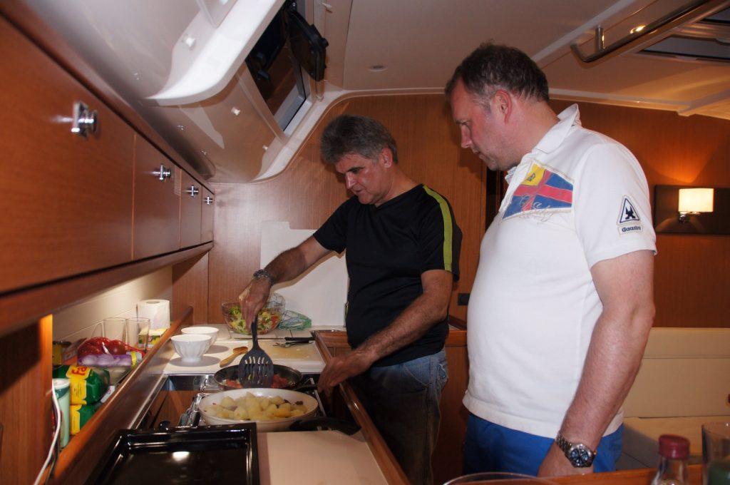 Mit Gästen kochen in Kombüse